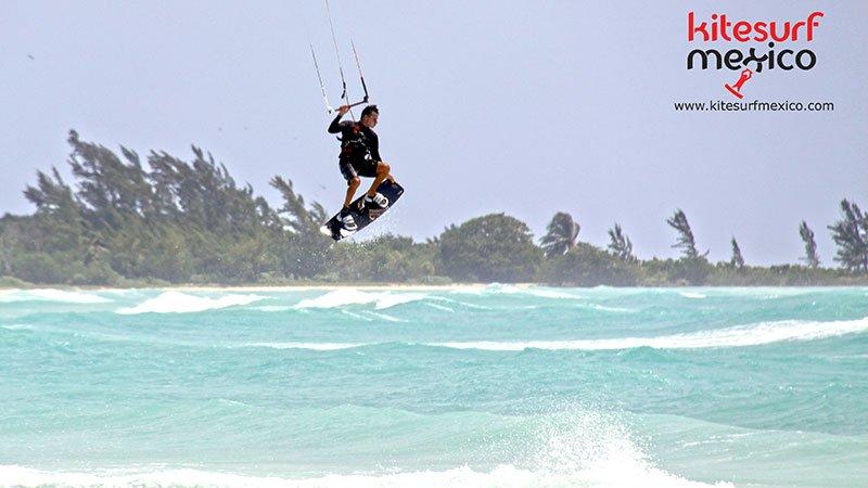 kiteboard-Punta-Venado-hi-jump