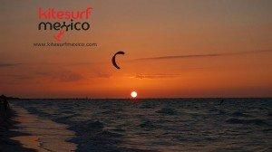 kiteboarding-el-cuyo-sunset