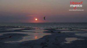 kiteboarding-san-felipe-sunset-kite
