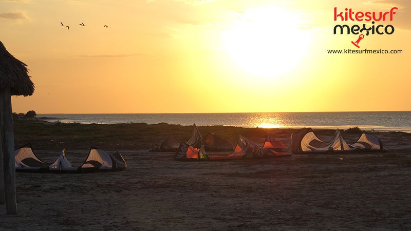 kiteboarding-san-felipe-sunset