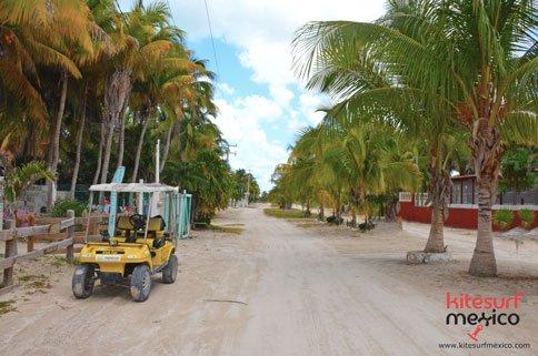 el-cuyo-beach-road