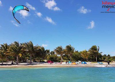 Kiteboarding-nizuc-beach